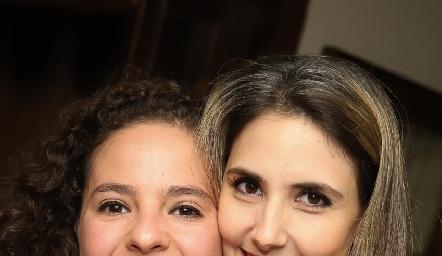 Andrea Schekaibán y Ana Iga.