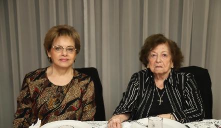 Rosalinda Sarquis y Martha de León.