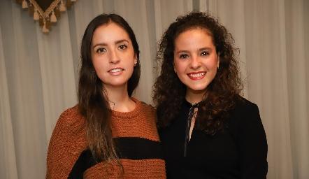 Daniela Castro y Andrea Schekaibán.