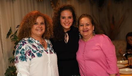 Tania Franco, Andrea Schekaibán y Lety Franco.