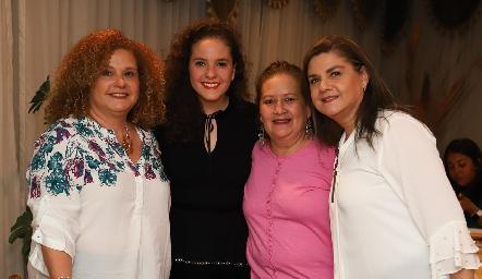 Andrea Schekaibán con la familia Franco.