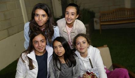 Marisol, Andrea, Emelin, Vale y Bárbara.