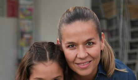 Alexia y Marcela Torres.