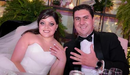 Andrea Gutiérrez y Miguel Robledo ya son esposos.