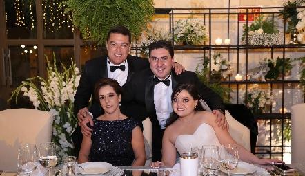 Antonio Gutiérrez, Miguel Robledo, Alejandra Ávila y Andrea Gutiérrez.
