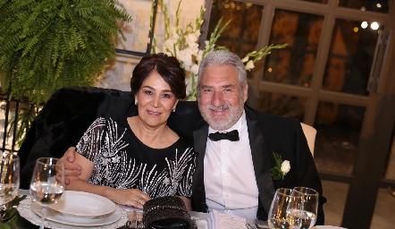 Miriam Bravo de Robledo y José Miguel Robledo Robles.
