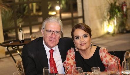 Salvador Granados y Elisa Robles.