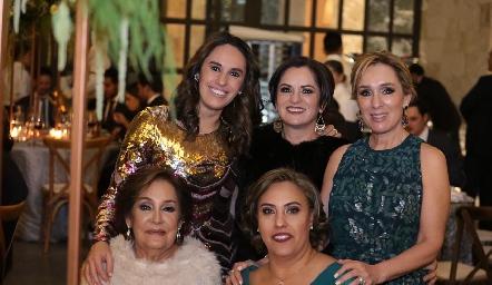 Gabriela Ramírez, Claudia Ávila, María Elena Ramírez, Elena Ramírez y Beatriz Castro.