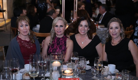 Laura Villasuso, July Gutiérrez, Tere Vergara y Paty Peña.