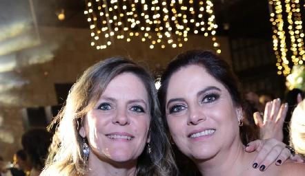 Martha Malo y Alba Altamirano.
