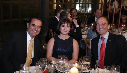 Paco Lizea, Claudia y Mauricio Valadez.