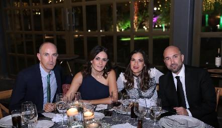 Carlos Nieto, Claudia Artolózaga, Valeria Ibarra y Paricio Nieto.