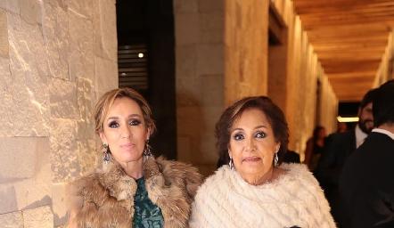 María Elena Ávila y María Elena Ramírez.