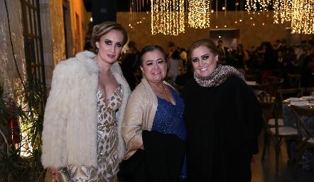 Irma Robledo, Irma Zárate y Carolina Robledo.
