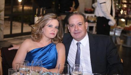 Eva Anaya y Manolo Martíns.