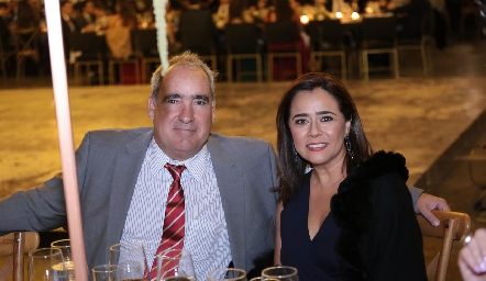 Ricardo Raymond y Laura Acosta.