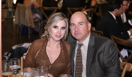 Karla y Carlos Heinze.