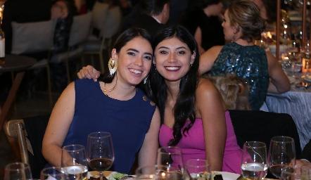 Elizabeth González y María José Camacho.