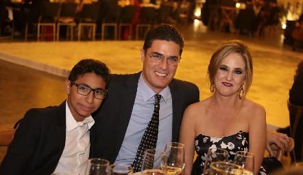 Daniel, Francisco y Lourdes Gutiérrez.