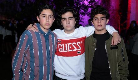 Pablo Morales, Alejandro Cambeses y César Morales.