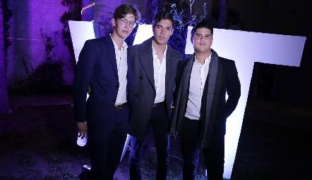 Javier Hernández, Andrés Quintero y Pj Piñero.