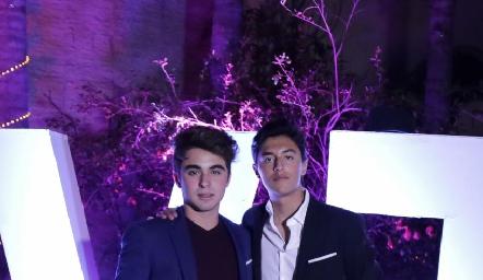 Santiago y Miguel.