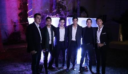 Diego, Pj, Manolo, Andrés, Chente y Miguel.