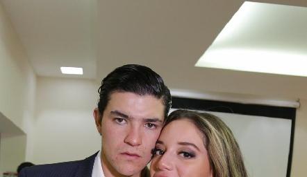 José Madrigal y Sofía Benavides.