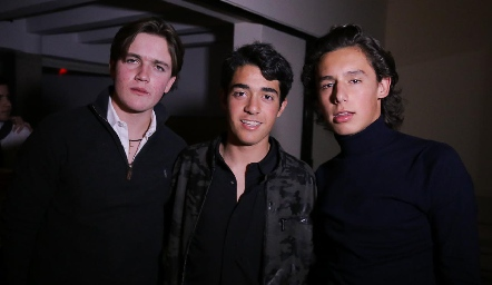 Alonso Rico, Gerardo Del Valle y Juanpi Ruiz.