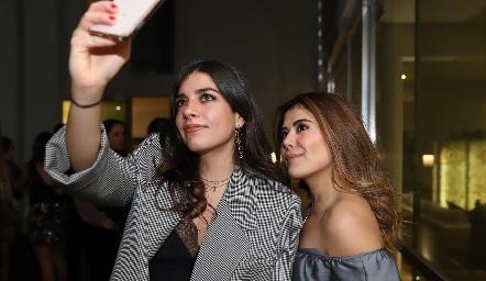 Ana Lu Díaz y Daniela Fonseca.
