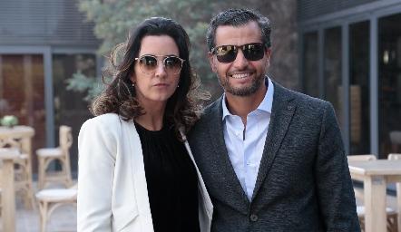 Marisol de la Maza y Carlos de los Santos.