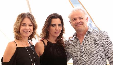 Fernanda Aguilar, Marisol de la Maza y Luigi Pizzuto.