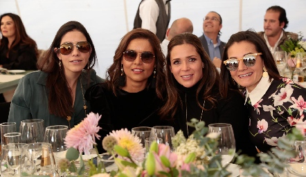 Ana Meade, Lorena Torres, Vero Franco y Rocío Subirana.