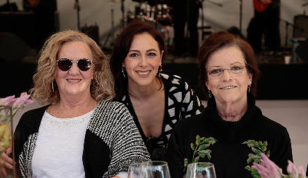Jeniffer Kaiser, Sandra Aldrete y Martha Pizzuto.