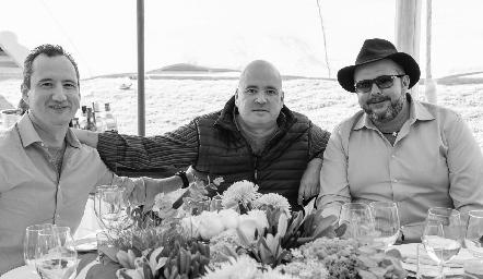 Fernando y Juan José Barba con Gabriel de la Maza.
