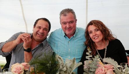 Aldo Pizzuto, Juan Hernández y Verónica Subirana.