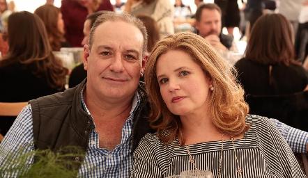Manolo Martins y Eva Anaya.