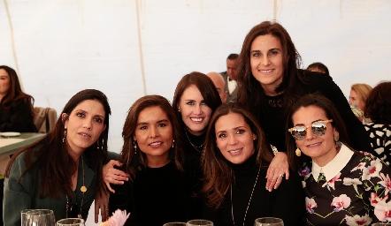 Ana Meade, Lorena Torres, Malena Zardain, Vero Franco, Yolanda Pérez y Rocío Subirana.