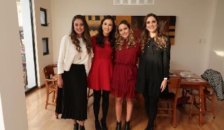 La novia con sus cuñadas, Paloma Díaz Infante, Teté Mancilla, Ana Gaby y Miriam Díaz Infante.