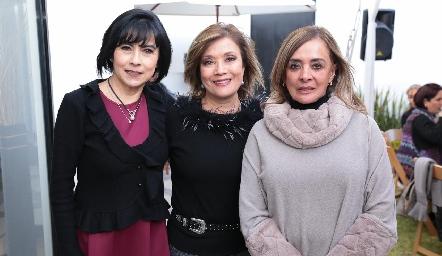 Tere Guerrero, Sol Carrillo y Vero Montelongo.