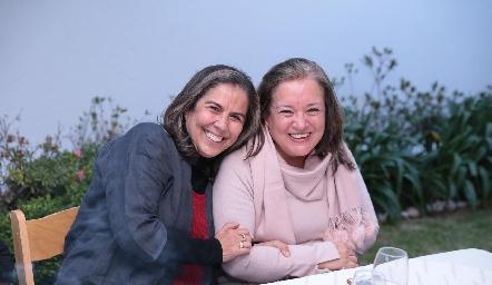 Susana Galván y Rosa Martha Portales.