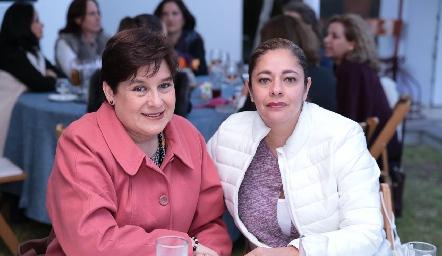 Eugenia Sarandona y Malena Vargas.