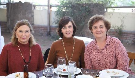 Isabel Narváez, Maricarmen Bárcena y Rosy Flores.