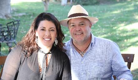 Cristina Puga y Memo Pizzuto.