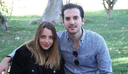 Ana Paula de los Santos y Eduardo Torre.