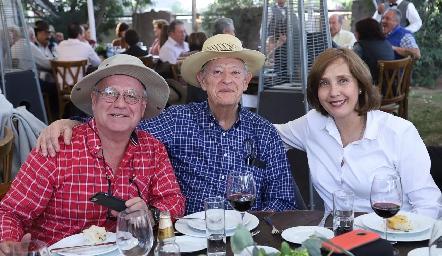 Miguel Cabrero, Pablo Aldrete y Ana Luisa Brueggerhoff.