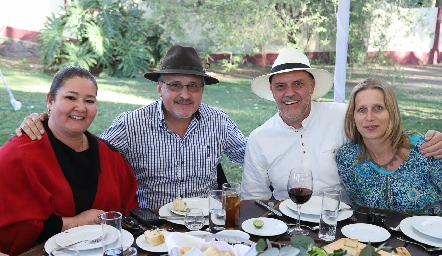 Mónica Berlanga, Carlos Brueggerhoff, Stefan Lochner y Anja.