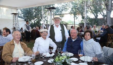 Francisco Artolózaga, Carlos Malo, Guillermo Pizzuto, Mario y Pitusa Benavente.