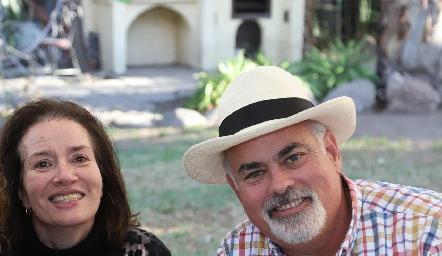 Coco Martins y Roberto Cummings.
