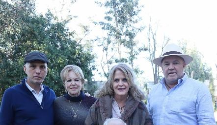 Tony, Lynette, Lynette, Memo y Guillermo Pizzuto.